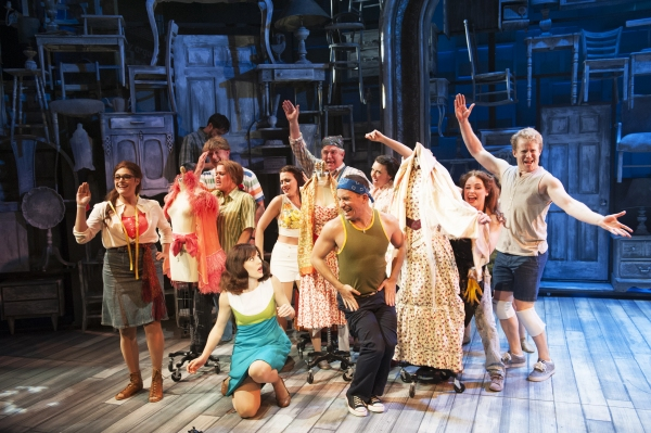 Photo Flash: First Look at Alysha Umphress, Mara Davi & More in Signature Theatre's BEACHES