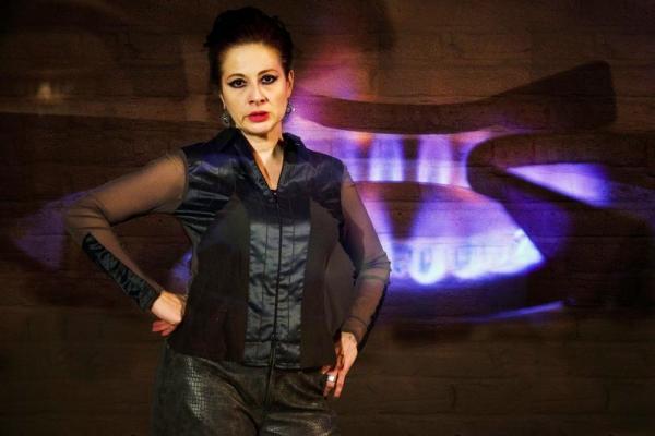 Vera Beren (as Leeann)
