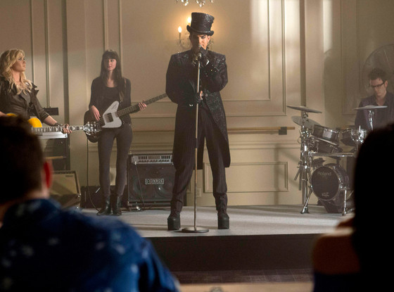 Lea Michele & Adam Lambert Rock Out With Heart's 'Barracuda' On This Week's GLEE