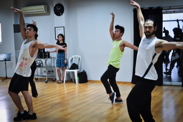 Photo Exclusive:  9 Works Theatrical Holds Auditions for LA CAGE AUX FOLLES
