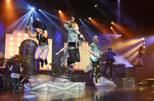 Photo Flash: RAIDING THE ROCK VAULT Celebrates Return to LVH