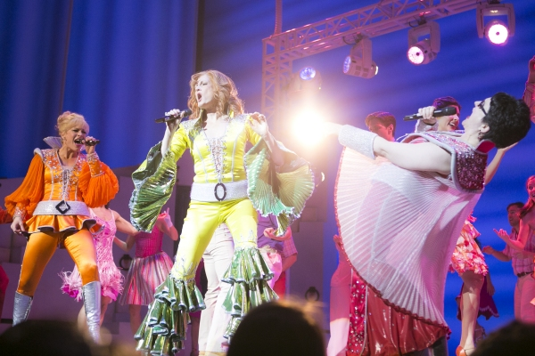 Photo Coverage: MAMMA MIA! Becomes Broadway's Ninth Longest-Running Show!