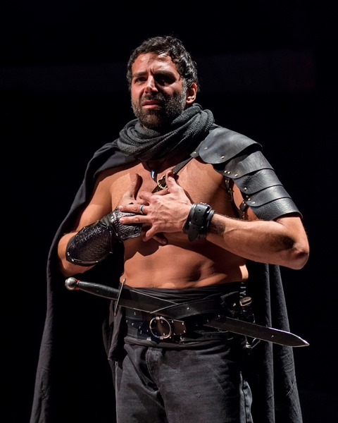 BWW Interviews: Elijah Alexander Goes Deep into the Psyche of Macbeth
