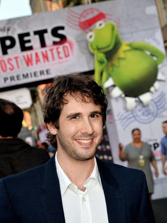 Josh Groban Makes Surprise Musical Appearance In MUPPETS MOST WANTED