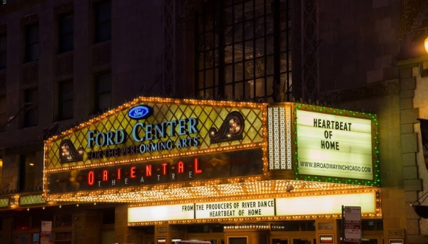 Photo Flash: Broadway In Chicago & Performers From HEARTBEAT OF HOME Green Marquees As Part of ShamROCK Chicago