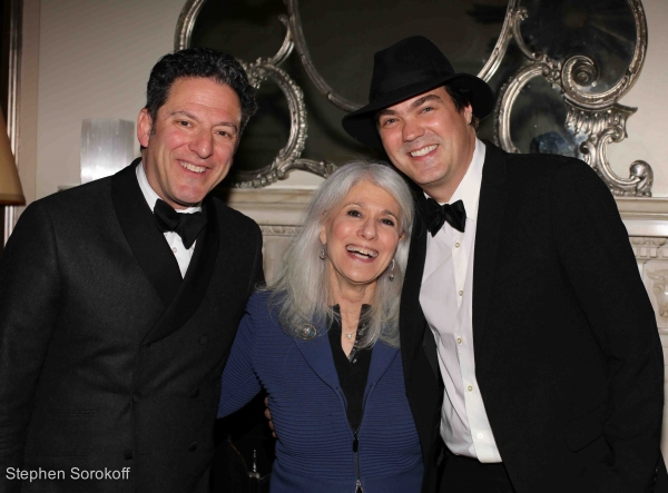 Photo Coverage: John Pizzarelli Brings STRICTLY BOSSA NOVA to Cafe Carlyle