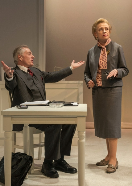 Peter Brouwer (Lester) and Roberta Maxwell (Lillian Hellman)
