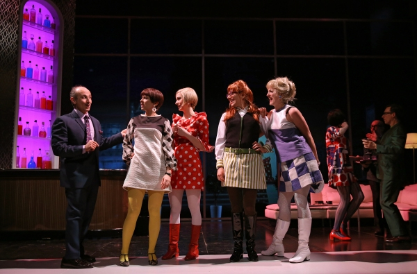 Stephen DeRosa as Leo, Jeanine Serralles as Bea, Ariana Venturi as Higgy, Ceci Fernandez as Frida, and Keira Naughton as Ulcie