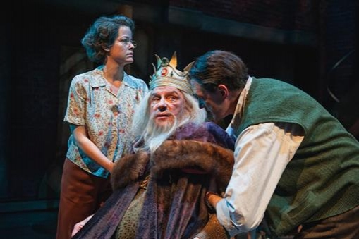 Photo Flash: First Look at Everyman Theatre's THE DRESSER with Carl Schurr, Bruce Randolph Nelson & More!
