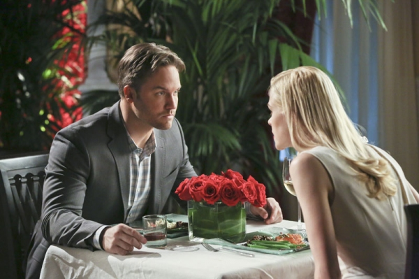 Hart of Dixie -- ''A Good Run of Bad Luck'' -- Image Number: HA317b_0189b.jpg -- Pictured (L-R): Scott Porter as George and Jaime King as Lemon -- Photo: Mike Yarish/The CW -- © 2014 The CW Network, LLC. All rights reserved.
