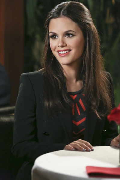 Hart of Dixie -- ''A Good Run of Bad Luck'' -- Image Number: HA317b_0298b.jpg -- Pictured: Rachel Bilson as Dr. Zoe Hart -- Photo: Mike Yarish/The CW -- �''© 2014 The CW Network, LLC. All rights reserved.