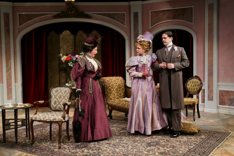 BWW Reviews: Seattle Shakes' IMPORTANCE OF BEING EARNEST Is Thoroughly Delightful