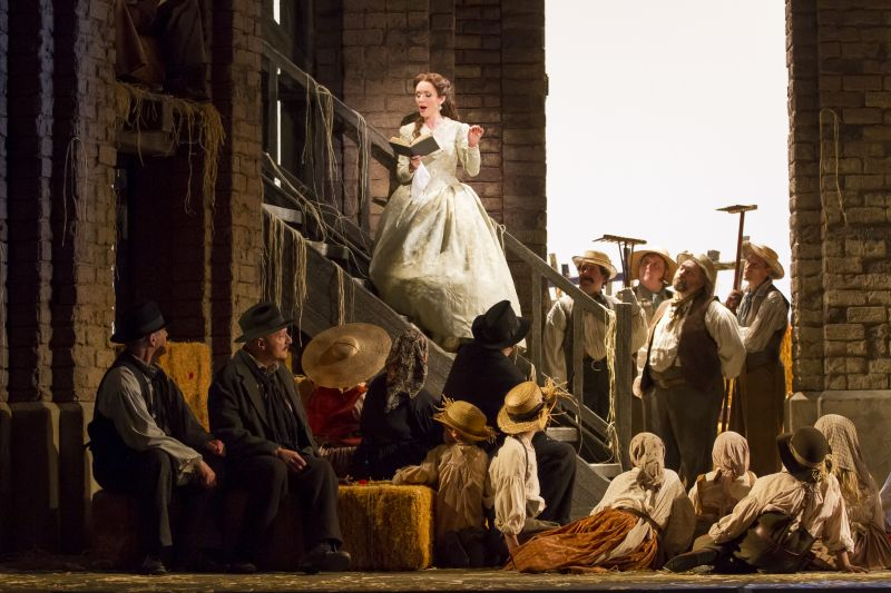 BWW Reviews: WNO's THE ELIXIR OF LOVE Enchants With Expert Cast and Visually Stunning Production