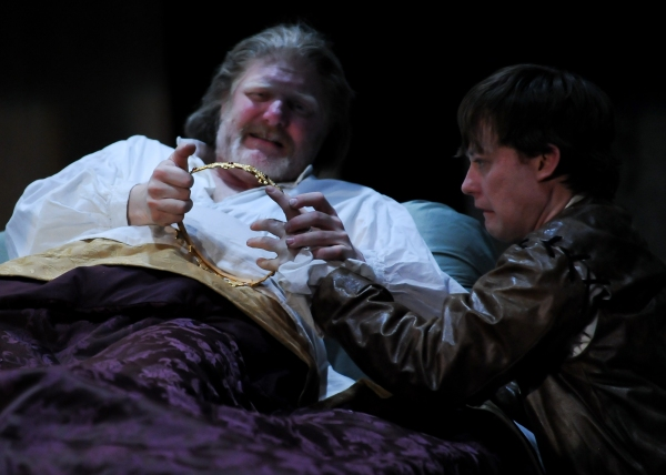 Jim Hopkins (King Henry IV) and Justin McCombs (Prince Hal)