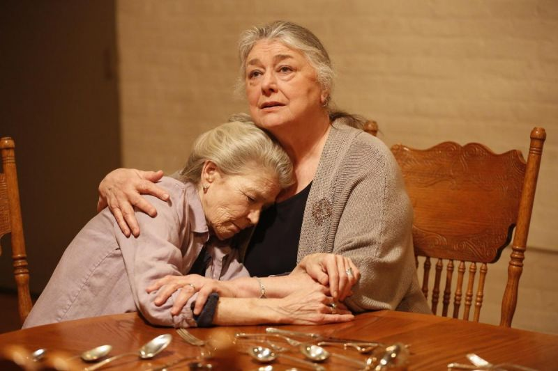 BWW Reviews:  Sterling Elder Female Cast Graces I REMEMBER MAMA