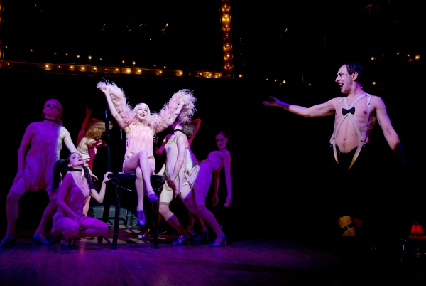 Photo Flash: Willkommen! Roundabout Heads Back to the Kit Kat Club with Alan Cumming and Michelle Williams in CABARET