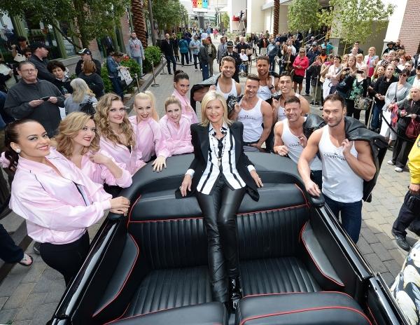 Photo Flash: Olivia Newton-John Arrives in Las Vegas to Kick Off SUMMER NIGHTS Residency
