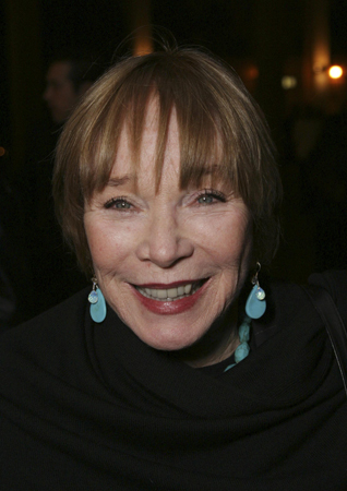 Shirley MacLaine to Guest Star on GLEE!