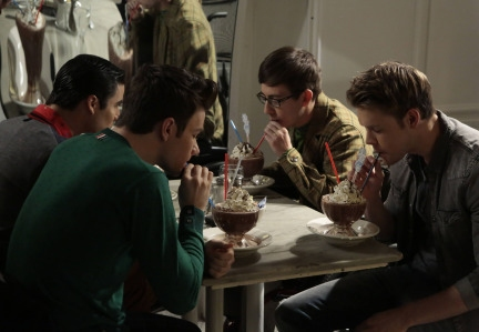 "GLEE: L-R: Blaine (Darren Criss), Kurt (Chris Colfer), Artie (Kevin McHale) and Sam (Chord Overstreet) enjoy some time together in the ""Tested"" episode of GLEE airing Tuesday, April 15 (8:00-9:00 PM ET/PT) on FOX. ©2014 Fox Broadcasting Co."