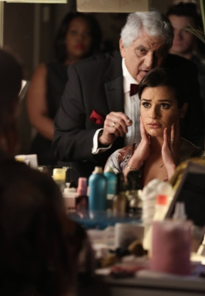 """GLEE: The night has finally arrived for Rachel''s (Lea Michele) Broadway debut in """"Funny Girl,"""" in the """"Opening Night"""" episode of GLEE airing Tuesday, April 22 (8:00-9:00 PM ET/PT) on FOX. ©2014 Fox Broadcasting Co. CR: Tyler Gold"""