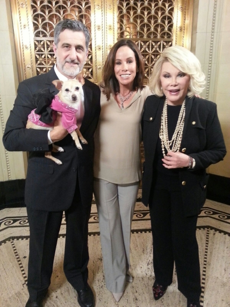 Bill Berloni and canine star Roxie the Chihuahua with Joan and Melissa
