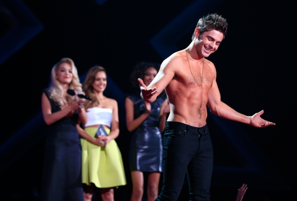 Zac Efron at 2014 MTV Movie Awards