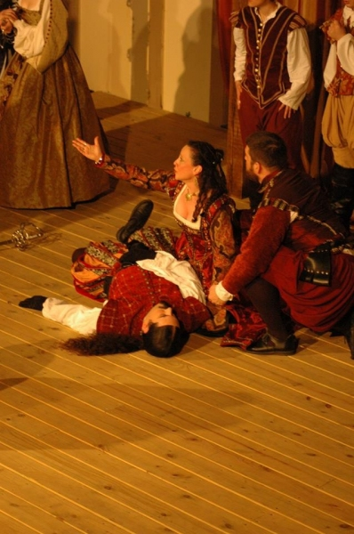 Photo Flash: First Look at The Baron's Men's ROMEO AND JULIET
