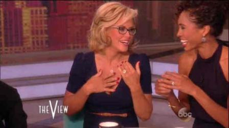 Jenny McCarthy Announces Engagement to Donnie Wahlberg on THE VIEW