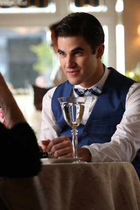 """GLEE: Blaine (Darren Criss) befriends a rich socialite in the """"Back-Up Plan"""" episode of GLEE airing Tuesday, April 29 (8:00-9:00 PM ET/PT) on FOX. ©2014 Fox Broadcasting Co. CR: Tyler Golden/FOX"""