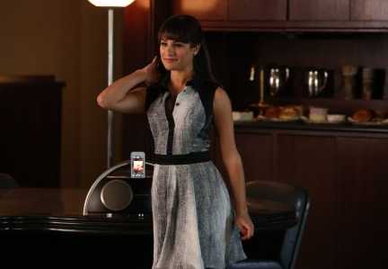Photo Flash: First Look - Shirley MacLaine Guests on GLEE's 'Back Up Plan' Episode
