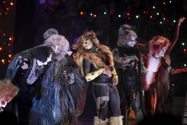 Photo Flash: CATS Celebrates Opening at La Mirada Theatre