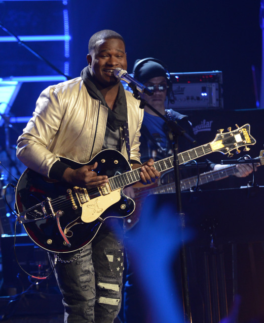 AMERICAN IDOL Recap: It's Time For America To Pull The Plug  (Updated w/ Pictures)