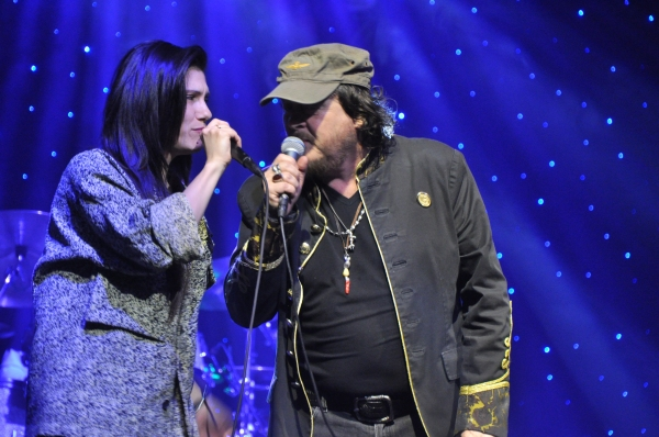 Photo Coverage: Zucchero and Company Play The Theater at Madison Square Garden