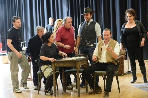 Photo Flash: In Rehearsal with FINGS AIN'T WOT THEY USED T'BE, Beg. Tonight at Theatre Royal Stratford East