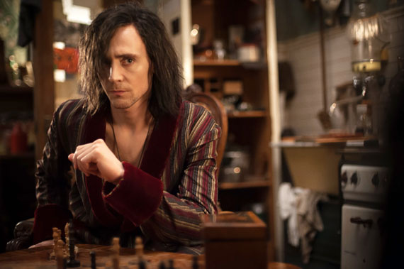 Tom Hiddleston Talks Shakespeare & HAMLET Influence On ONLY LOVERS LEFT ALIVE