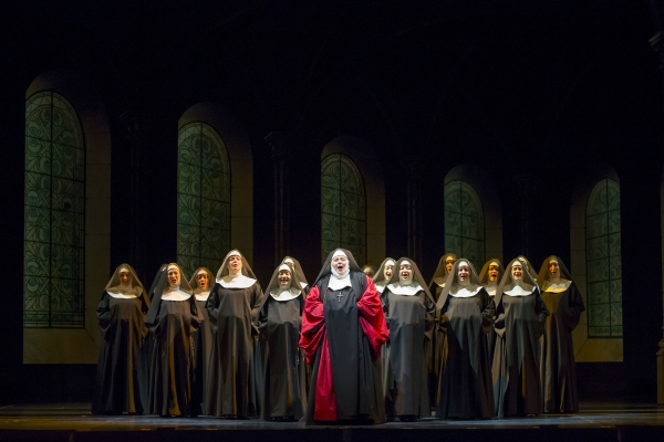 "BWW REVIEWS: Sumptuous Sights and Sounds Make ""The Sound of Music"" Thrilling at Lyric Opera of Chicago"