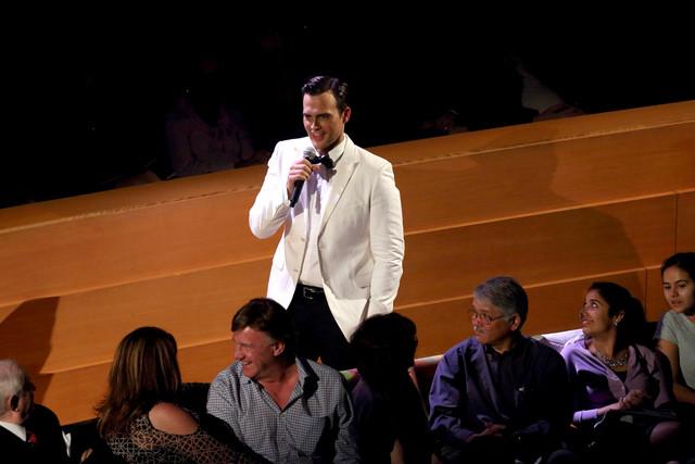 BWW Reviews: Cheyenne Jackson Wins Hearts at Walt Disney Concert Hall