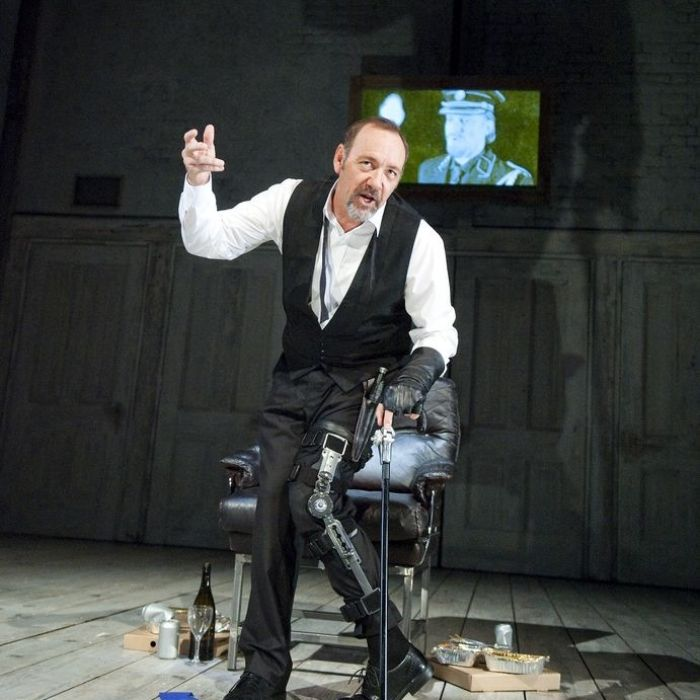InDepth InterView Exclusive: Kevin Spacey Talks New RICHARD III Documentary NOW, Plus HOUSE OF CARDS, Future Musical? & More