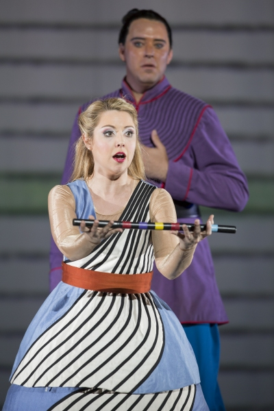 Maureen McKay as Pamina and Joseph Kaiser as Tamino