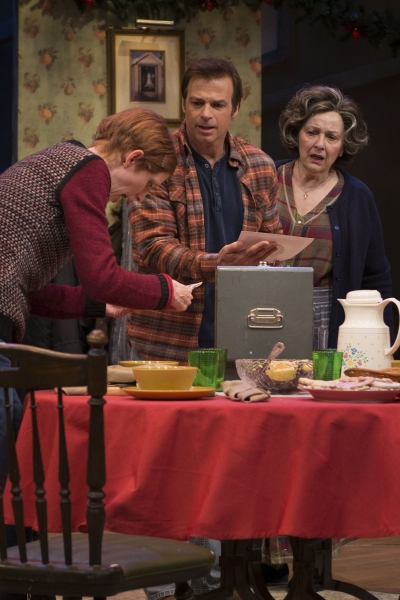 Photo Flash: First Look - MIRACLE ON SOUTH DIVISION STREET at Theatre at the Center