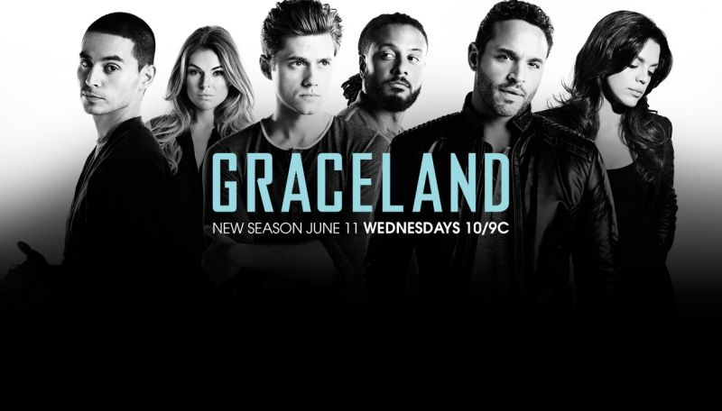 First Look At Aaron Tveit & Daniel Sunjata In GRACELAND Season Two