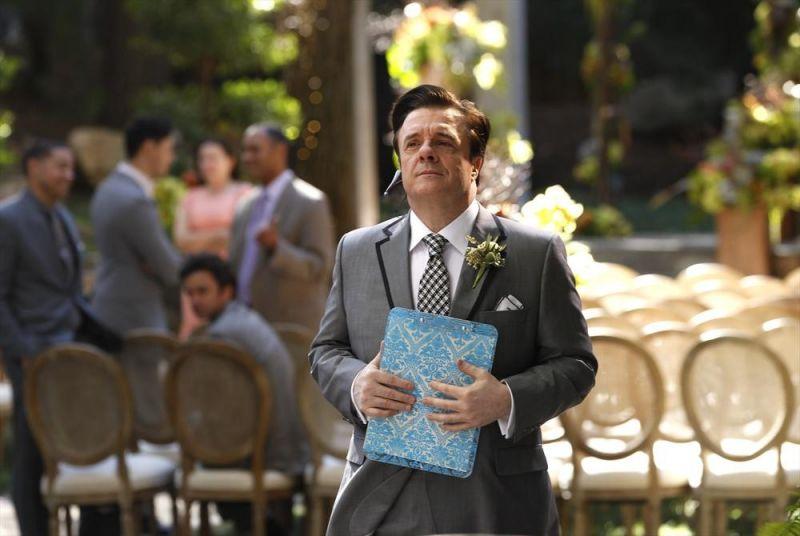 Sneak Peek - Nathan Lane Guests on Season Finale of MODERN FAMILY Tonight