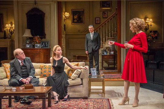 BWW REVIEWS:  Maxwell Should Be The Talk Of The Town for THE CITY OF CONVERSATION