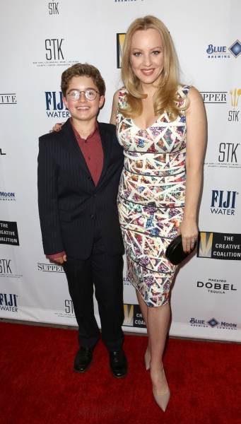 Sean Giambrone and Wendi McLendon-Covey