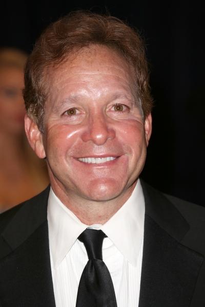 Steve Guttenberg  Photo