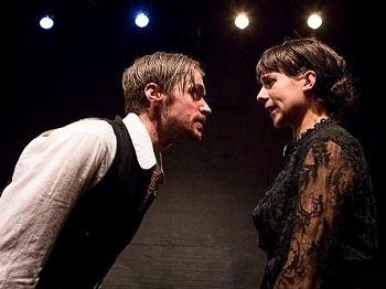 David Viviers and Maggie Gericke in DIE BUFFEL