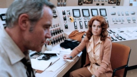 Jack Lemmon and Jane Fonda spar over the happenings at a nuclear power plant. Photo