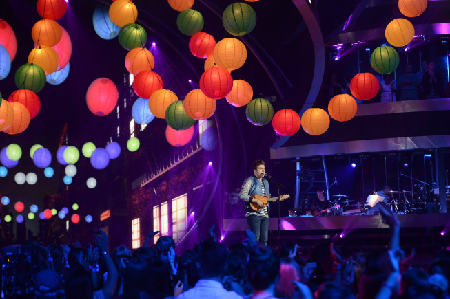 AMERICAN IDOL Recap: Contestant Delivers Moving Performance Worthy of IDOL Hall of Fame (Updated w/ pictures)