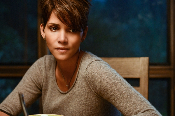 ''Extinct'' -- EXTANT: CBSÃ�¿�¢Ã�¿�Â�¿�Ã�¿�Â�¿�s new summer series EXTANT is a mystery thriller starring Academy Award-winner Halle Berry as Ã�¿�¢Ã�¿�Â�¿�Ã�¿�Â�¿�Molly Woods,Ã�¿�¢Ã�¿�Â�¿�Ã�¿�Â�¿� a female astronaut trying to reconn