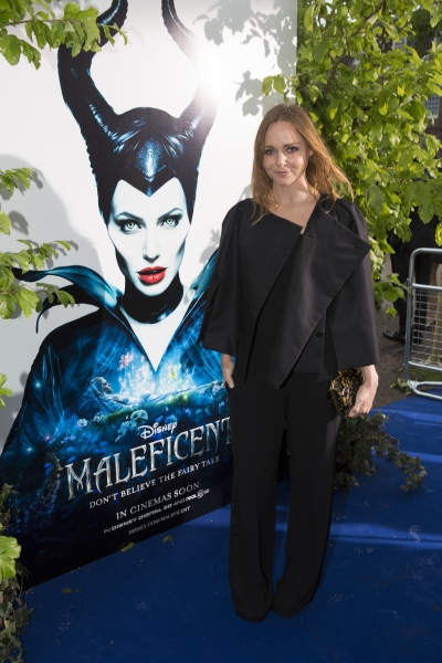 Photo Flash: MALEFICENT's Angelina Jolie, Elle Fanning & More Walk 'Blue Carpet' in London